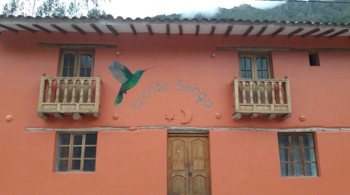 Devant-Hotel- Centre holistique-Ollantaytambo